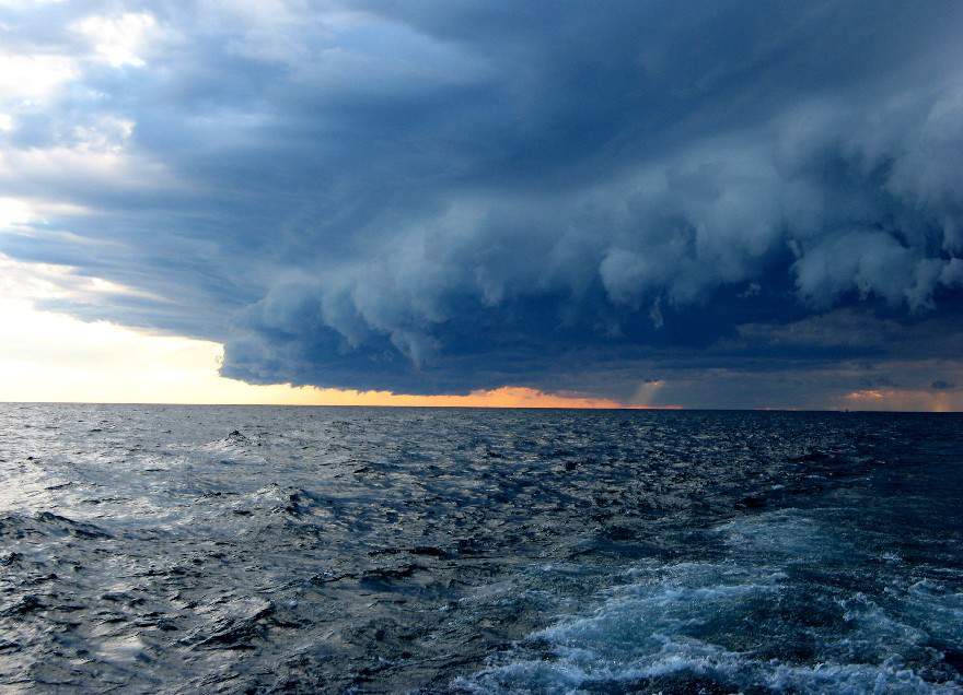 LakeMichigan_Storm_AndreaMiehls_USGS_0