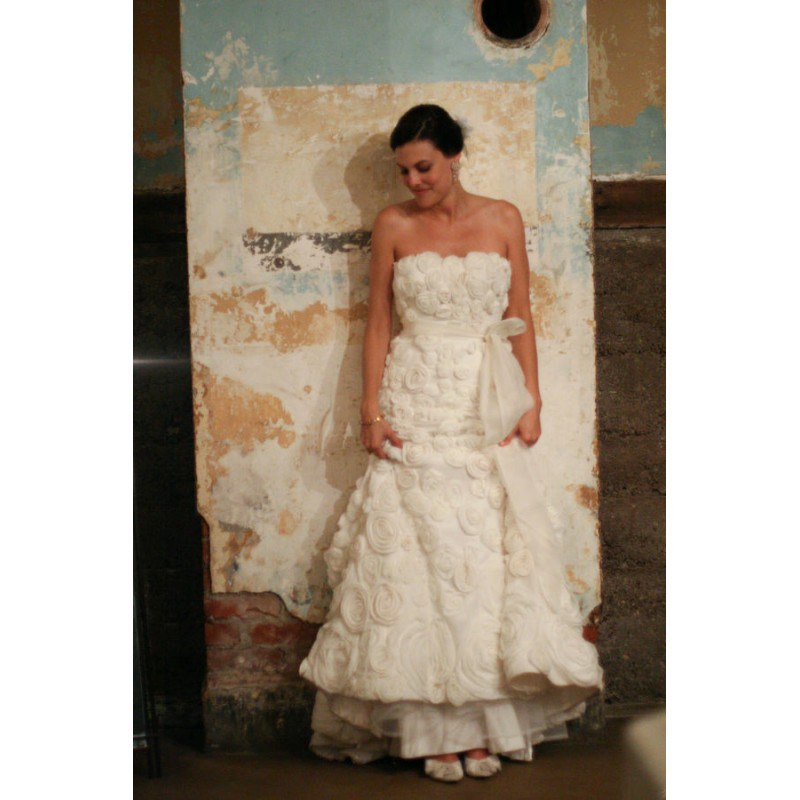 Sweet Sweep Train Ivory Ball Gown Strapless Sleeveless Satin Hand-made Flowers Zipper Up Hall Fall Wedding Gown 0