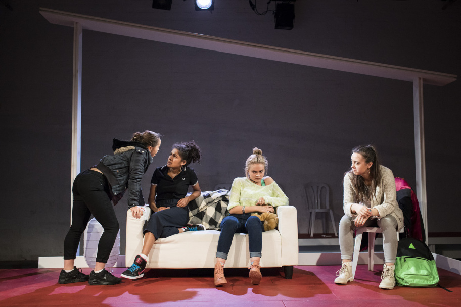 Isabella-Verrico-Rebekah-Murrell-Taylor-Keegan-Jesse-Bateson-in-NYTs-The-Host-at-the-Yard-Theatre-CREDIT-Helen-Maybanks.jpg
