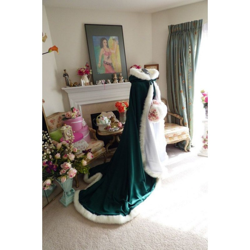 Enchanting Winter Wedding Cloak 0